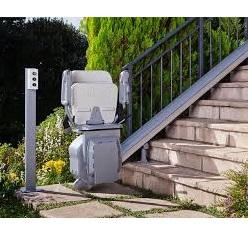 Peut-on mettre un monte-escalier dehors?